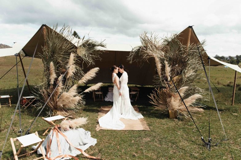 Couple getting married at Lynwood Estate in the Hunter Valley