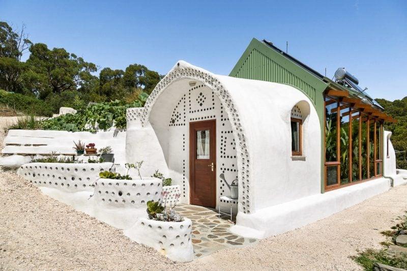romantic airbnb honeymoon